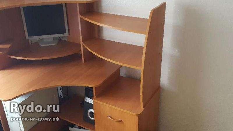 Компьютерный угловой стол - цена 5500 рублей - офисная мебе.