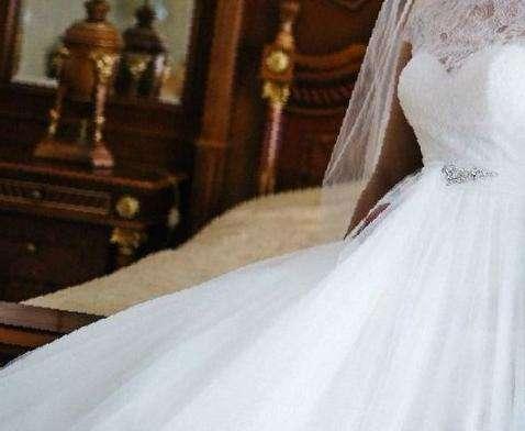 4654efe18bf Свадебное платье из салона
