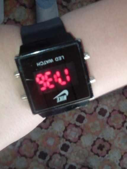 9785dd29 Часы Nike — Цена 400 рублей — Украшения для женщин и мужчин в ...